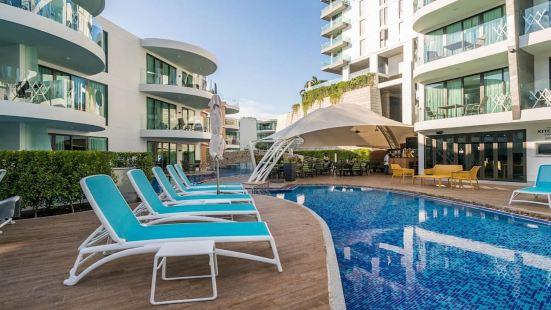 99L Twin Sands Pool, Phuket Thailand