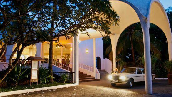 普拉薩海灘酒店