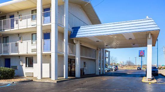 Motel 6-Jackson, MS