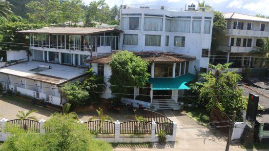 拉文迪齊海灘度假酒店