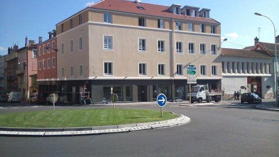 馬孔中心火車站英式酒店