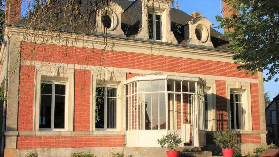 索洛尼繭居酒店