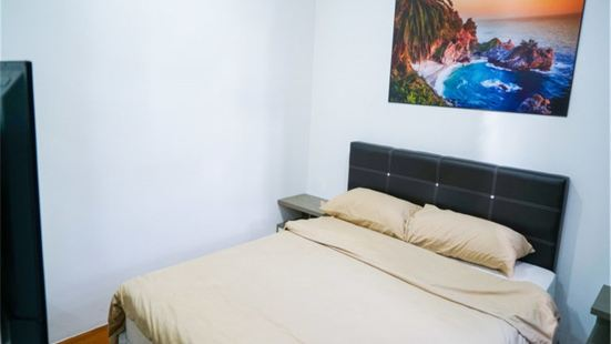 Singapore Luxury One-Bedroom Apartment