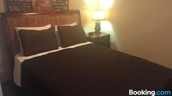 Brownstone Guesthouses Seabeach