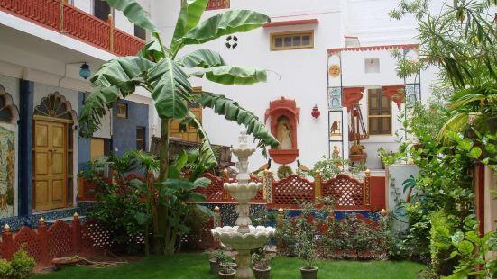 克里希納普拉卡什哈維麗傳統酒店