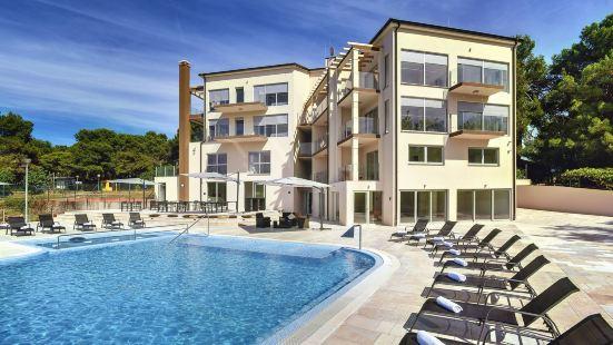 普雷曼圖拉度假村酒店