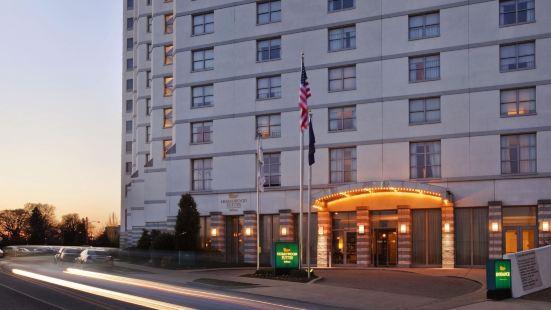費城城市大道希爾頓欣庭套房酒店