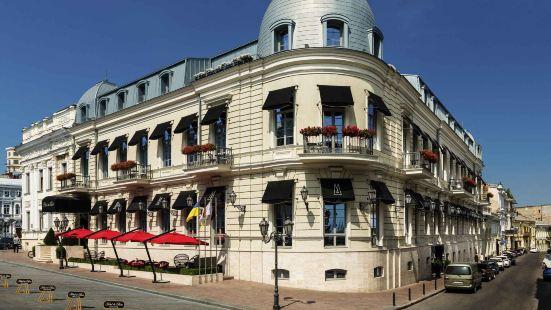 巴黎歐德薩酒店 - 美憬閣酒店