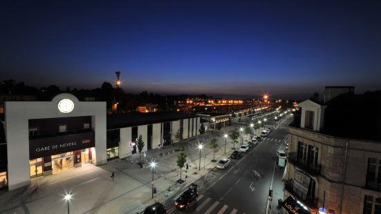 訥韋爾中心車站原生酒店