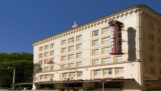 聖安東尼奧河濱德魯利套房酒店