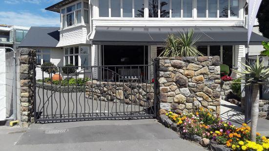 Cave Rock Guest House