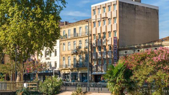 伊卡爾酒店