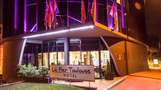 Le Pier Toulouse Hotel