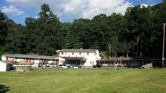 Colony House Motel