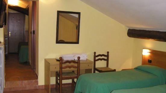 卡瓦略比安科酒店