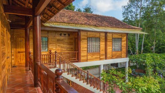 Phu Quoc Valley Sen Bungalow