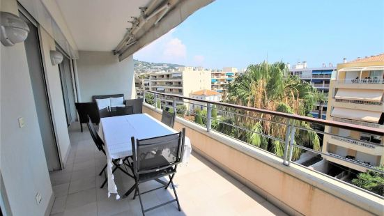 Fully Equipped Apartment with Large Terrace / Lounge Area