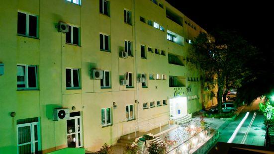 Omladinski Hostel