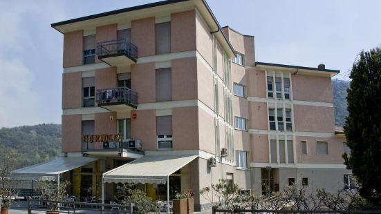 埃伯吉福納西酒店