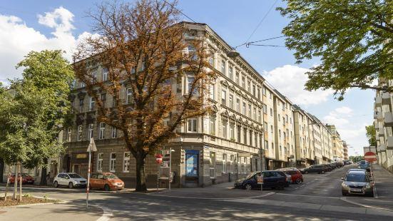 Koppstrasse by Welcome2Vienna