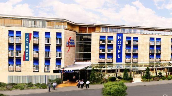 拉斯特拉達酒店