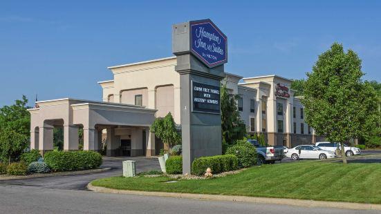 揚斯敦坎菲爾德歡朋酒店及套房