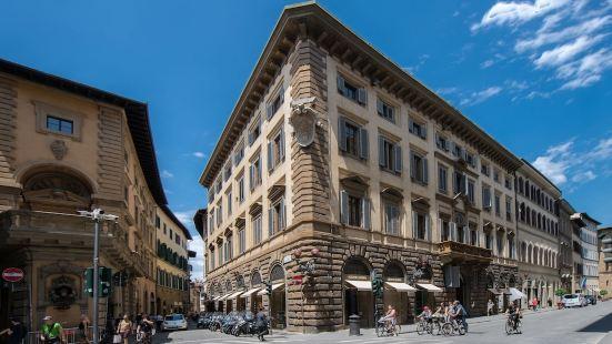 Tornabuoni Palace