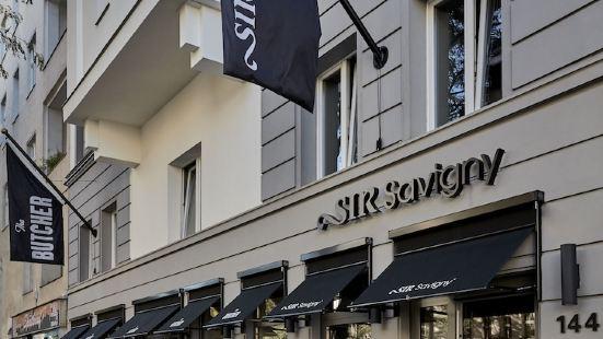 Sir Savigny Hotel