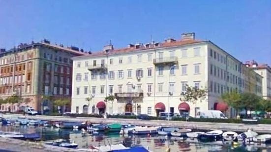 格雷斯公寓酒店