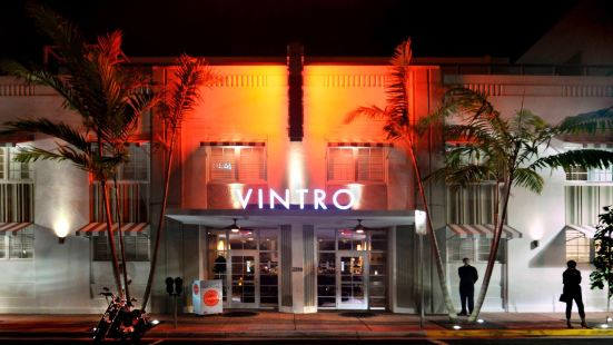 Vintro South Beach Curio by Hilton