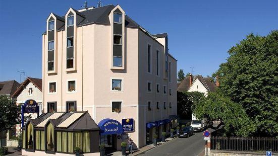基里亞德訥韋爾中央酒店