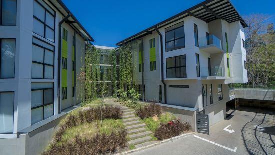 The Train Apartments Santa Ana