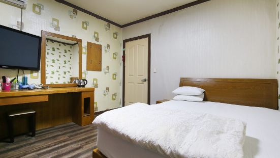 Nonsan Emperor Motel