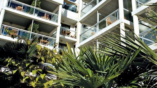 康城克魯瓦塞特公寓式酒店