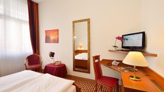 舍納堡酒店