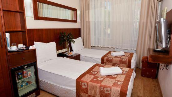 阿塔奧特羅亞酒店