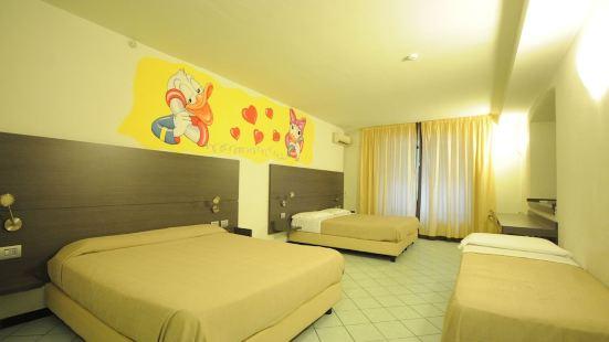 蒂雷若海濱公寓酒店