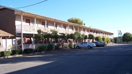 橡樹山酒店及套房