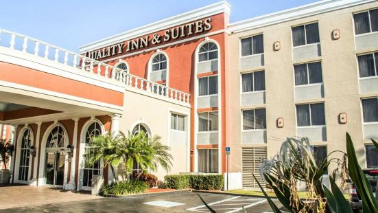Quality Inn & Suites Near the Theme Parks