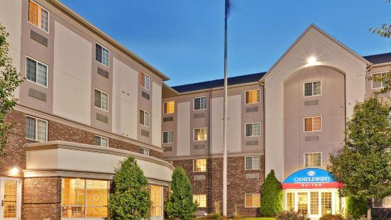 印第安納波利斯燭木套房酒店