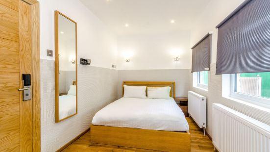 Mondrian Apartments