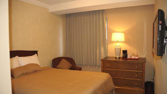 Northbridge Hotel and Suites