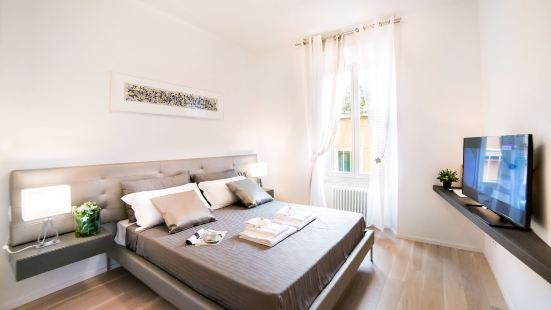 Rent in Rome - Valentino Luxury