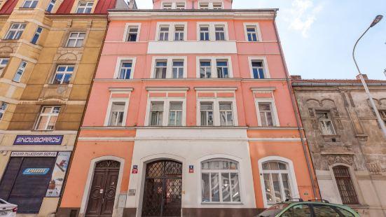Slavojova ApartMeet