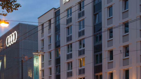 Motel One Frankfurt-Eastside