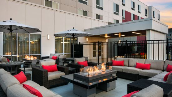 Courtyard by Marriott Pullman