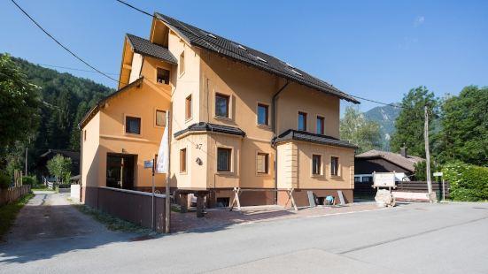Apartment House Berghi