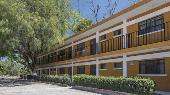 OYO Hotel La Marina