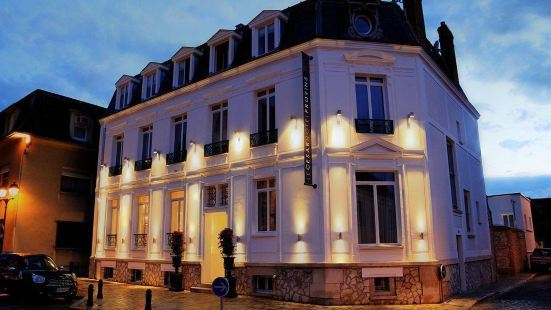 Le César Hôtel