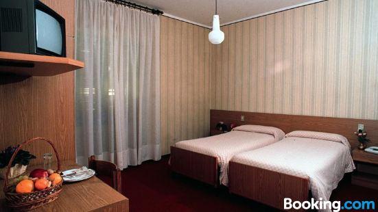 瑪格納酒店